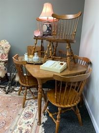 Vintage Ethan Allen breakfast set with 6 chairs and 2 leaves.