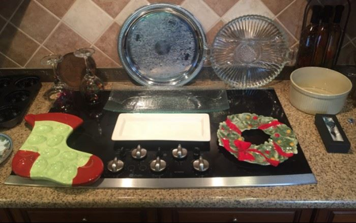Holiday serving trays, just in time for the season!