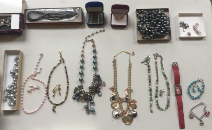 More jewelry for great gifts this season!