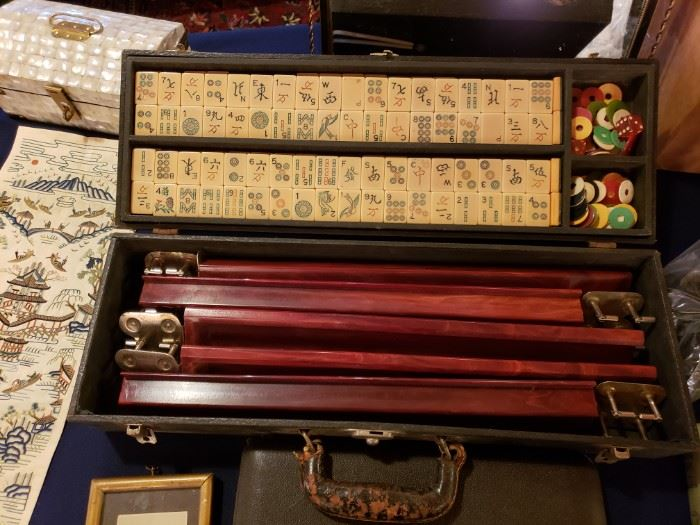 Vintage Mahjong set ca. 1930s