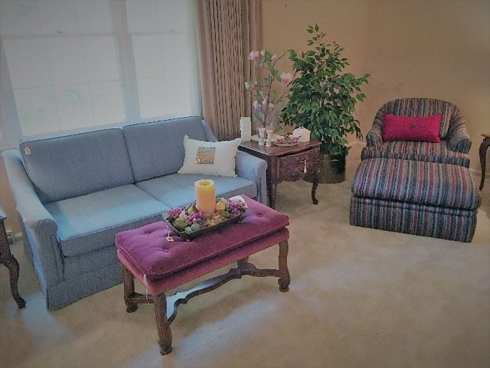 Nice loveseat, upholstered bench, and end table