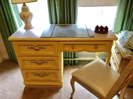 french provencial desk