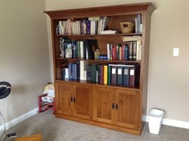 Very nice arts & craft oak bookcase