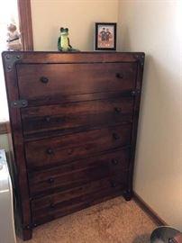 Bedroom set - Queen size bed, Dresser, night stands