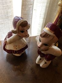 Dutch boy and girl figurines