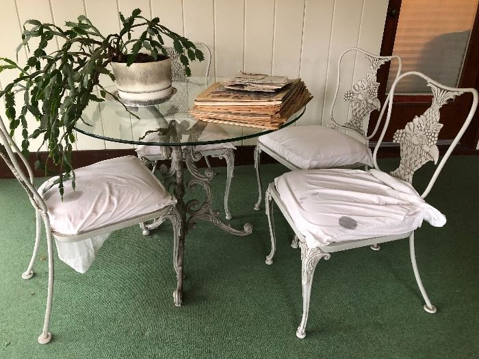 Antique Metal Patio Table with 4 Metal chairs with Fruit basket design BUY IT NOW $150