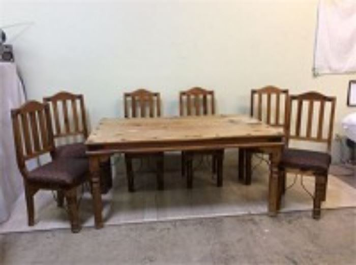 Knotty Pine Dining Table Chairs