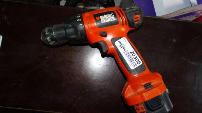 Black and decker drill w battery