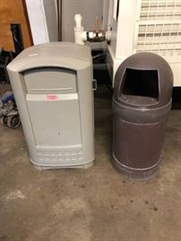 Lot of 2 commercial trash cans