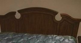 Queen bed to ffive piece bedroom set