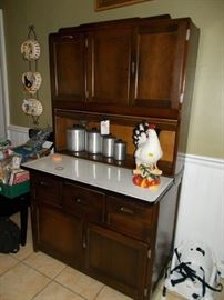 Hoosier style cabinet with flour sifter