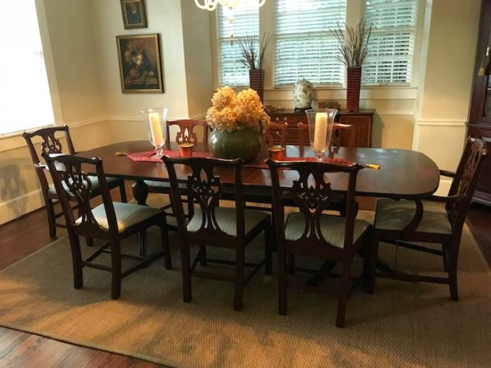 Henkell & Harris dining table & chairs