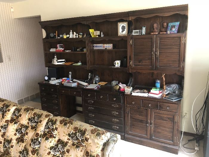 WALL UNIT WILL SEPARATE BY PIECE
