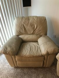OVER STUFFED LAZ-Y-BOY LEATHER RECLINER
