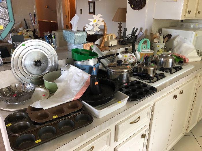 Pots, pans, baking ware