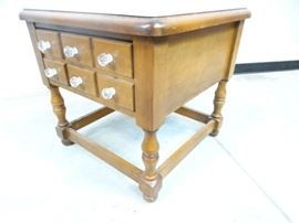 Early American Style End Tale with Drawer