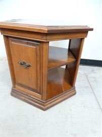 Ethan Allen Early American End Table