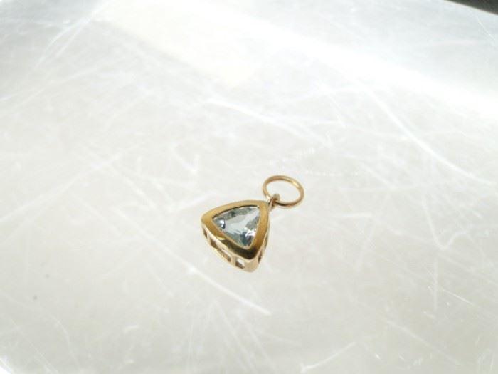 14kt Yellow Gold and Aquamarine Pendant