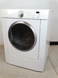 Frigidaire White Galery Series Clothes Dryer