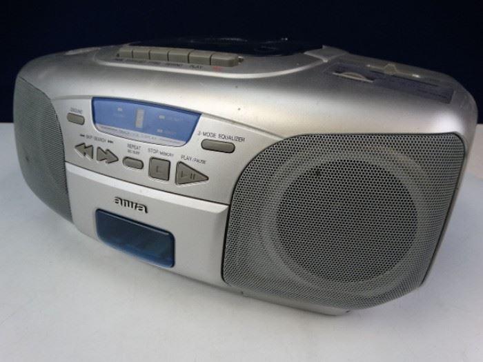 Shelf Radio