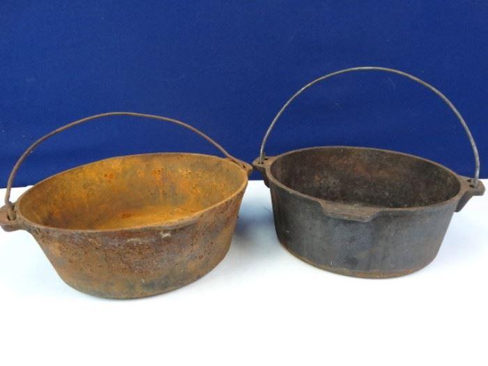 Vintage Cast Iron Dutch Oven Set