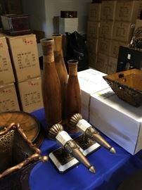 Sconces, lamps, decorative items.