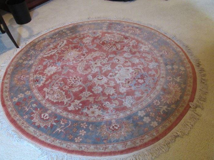 Round rug.