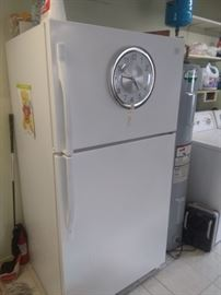 Other picture of fridge