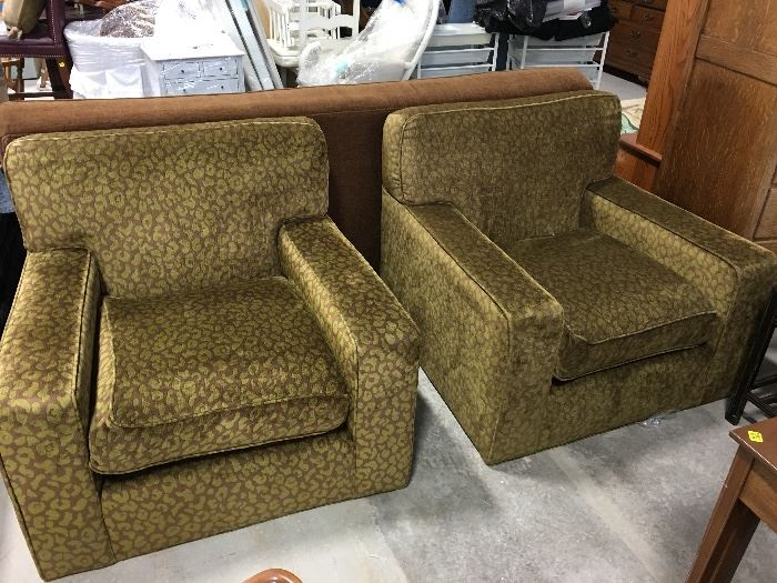 Green and brown arm chairs (they match the brown sofa)