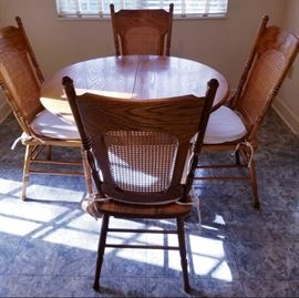 Oak Dining Table (with leaf) and 4 chairs--Walter of Wabash, Jamestown, TN