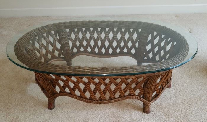 Gorgeous rattan/glass coffee table