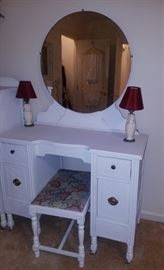 Vintage dressing table/bench and mirror