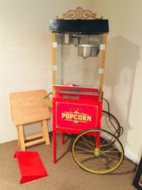 COMMERCIAL POP CORN MACHINE