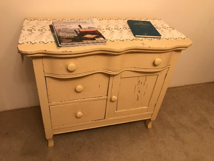 Antique wash stand, needs some TLC :) but bones are great