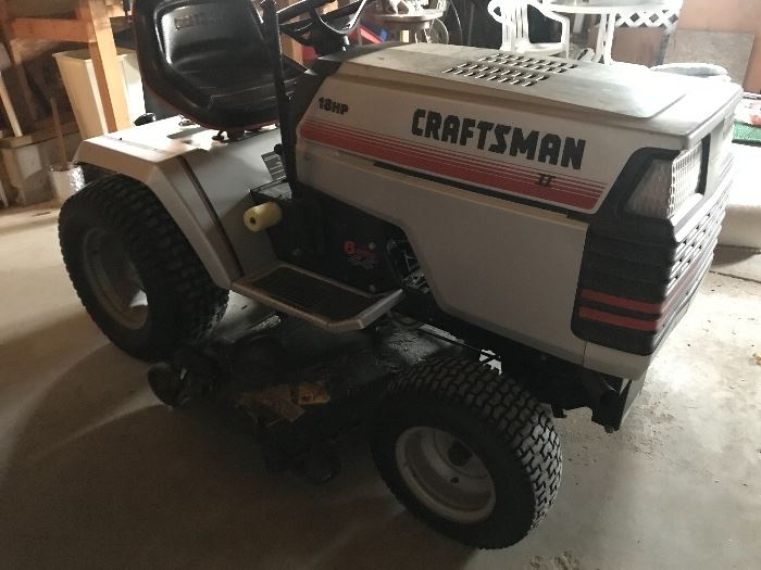Craftsman riding lawnmower 18hp, 6 speed, 44""