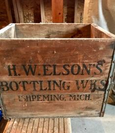 Vintage Bottling Ishpeming Wooden Box