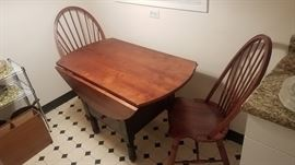Double dropleaf table with matching windsor back chairs