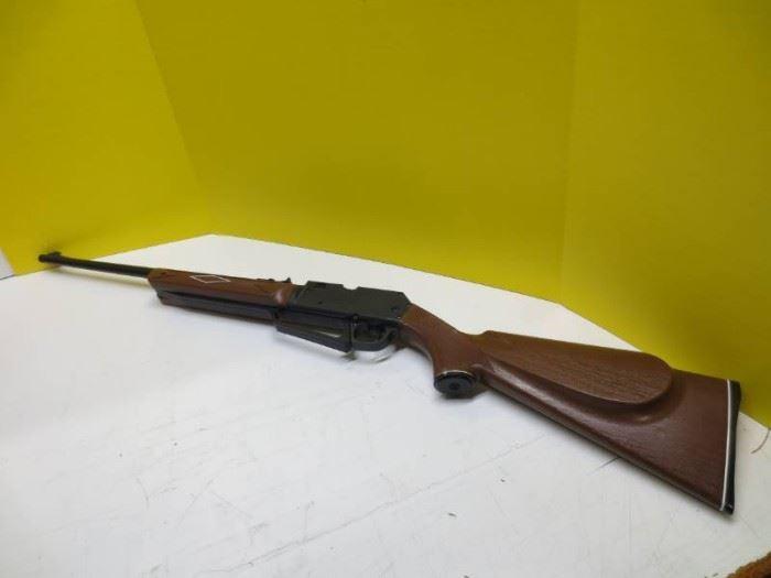Daisy powerline 880 air rifle.