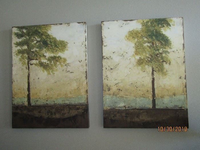 PAIR OF SIMILAR PAINTING BY THE SALE ARTIST.. 2 GORGEOUS PIECES OR ART