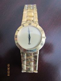 GUCCI WATCH.. A TIMELESS TIME PIECE.. GREAT HOLIDAY GIFT