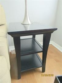 SMALL BLACK END TABLE.. 18X22X25