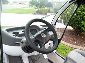 Adjustable steering wheel