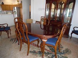 """Bernhardt"" Dining room set"