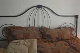 KING HEADBOARD AND LINENS