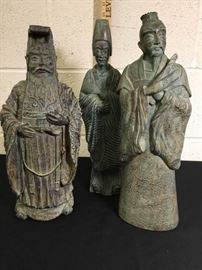 3 King Statues