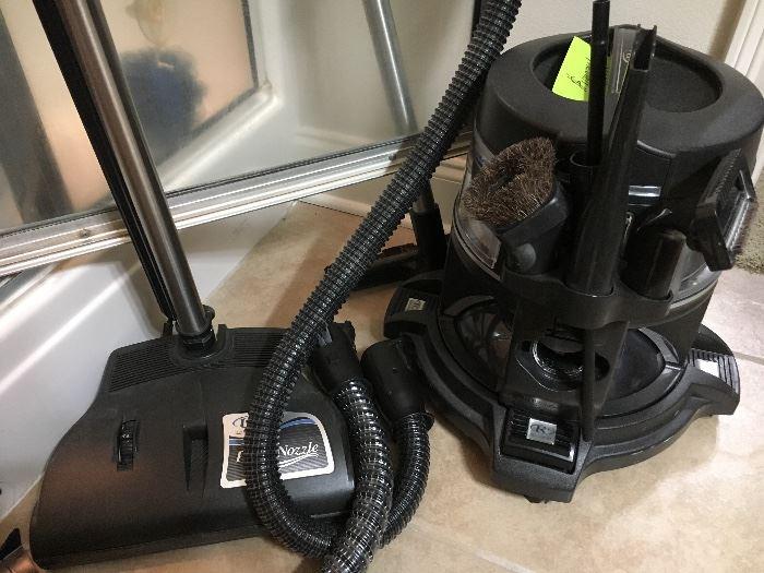 Rainbow vacuum, like new, barely used!