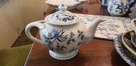 Blue Danube teapot