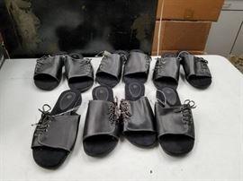 1 Black Sz L Flip Flops