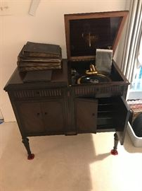 1920's Victrola In Mahogany Cabinet With Record Storage ~ Booklet And Extra Needles ~ SOUNDS GREAT!