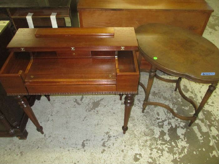 SPINET DESK AND END TABLE